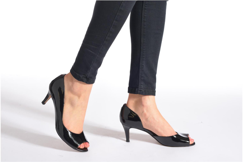 High heels Perlato Bilbao Beige view from underneath / model view