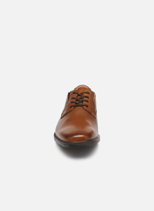 Schnürschuhe Clarks Tilden Plain braun schuhe getragen