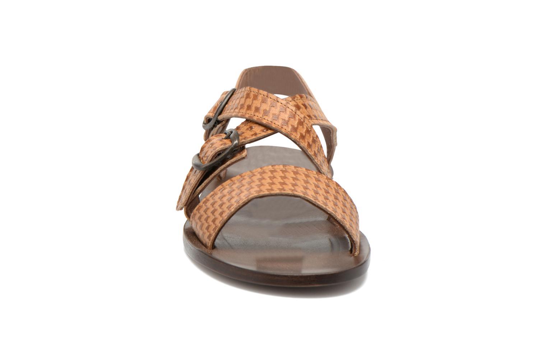 Sandales et nu-pieds PèPè Tina Marron vue portées chaussures