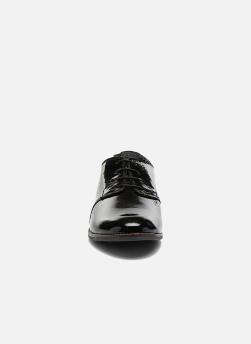 Scarpe con lacci TBS Merloz Nero modello indossato