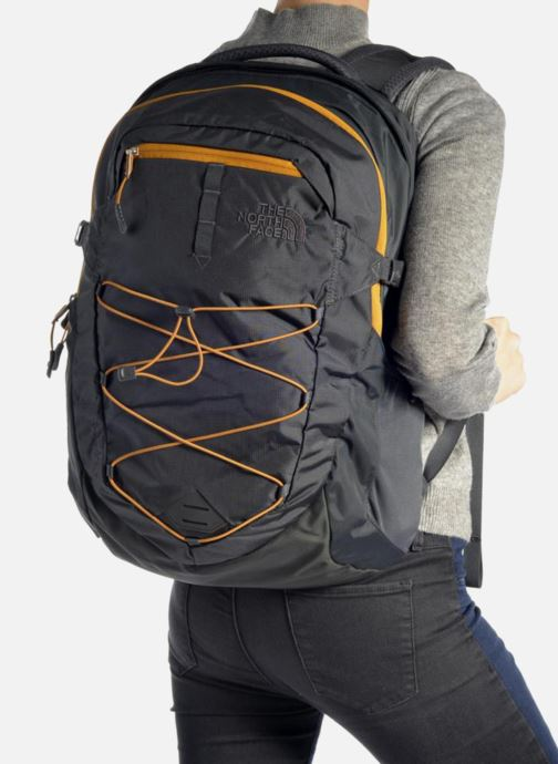 Rucksacks The North Face Borealis Black view from underneath / model view