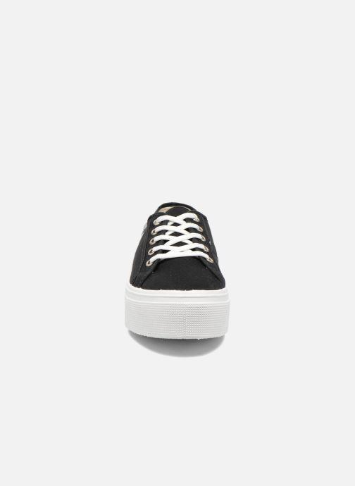 Sneakers US Marshall Game E Nero modello indossato