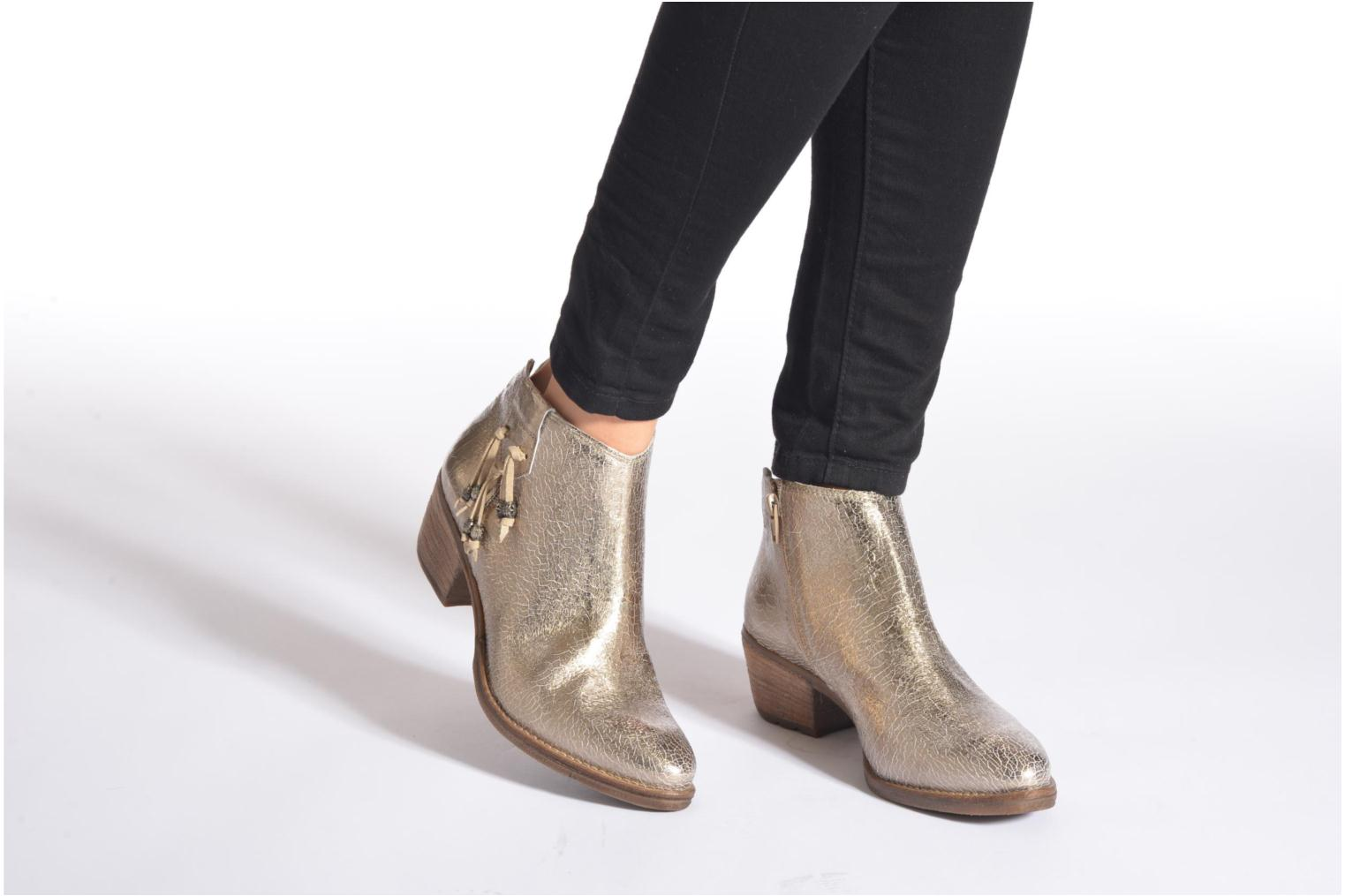 Ankle boots Khrio Monteria 2 Bronze and Gold view from underneath / model view