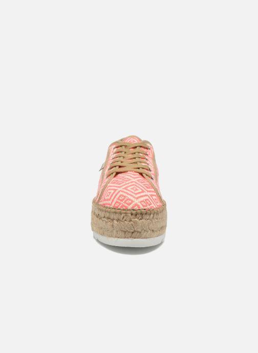 Lace-up shoes Victoria Basket Etnico Plataforma Yu Pink model view