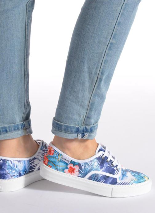 Sneakers Victoria Ingles Flores Y Corazones Multi se forneden