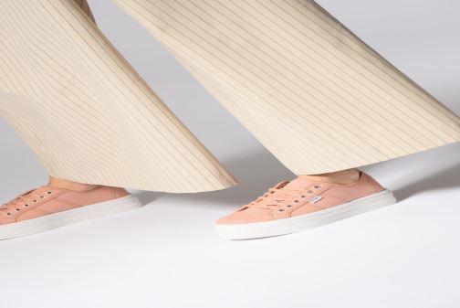 Sneaker Victoria Basket Lona Plataforma rosa ansicht von unten / tasche getragen