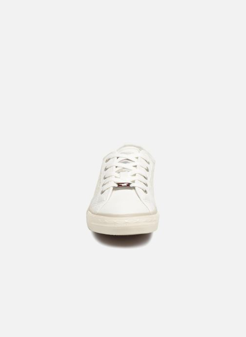 Sneakers Mustang shoes Smith Bianco modello indossato
