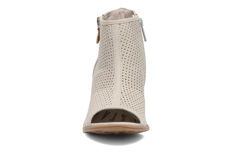 Bottines et boots Mustang shoes Lowle Gris vue portées chaussures