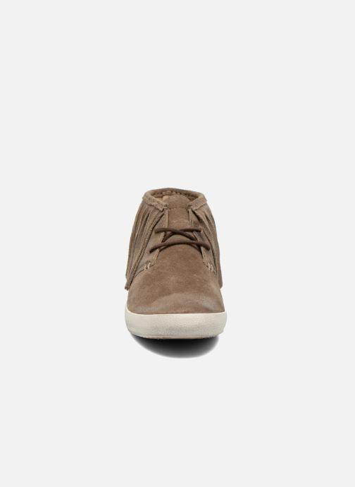 Sneaker Frye Dylan Fringe braun schuhe getragen