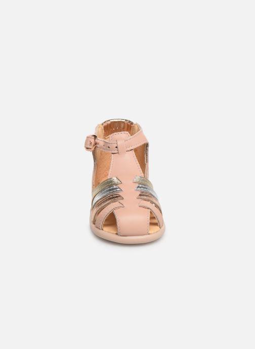 Sandales et nu-pieds Babybotte Guppy Beige vue portées chaussures