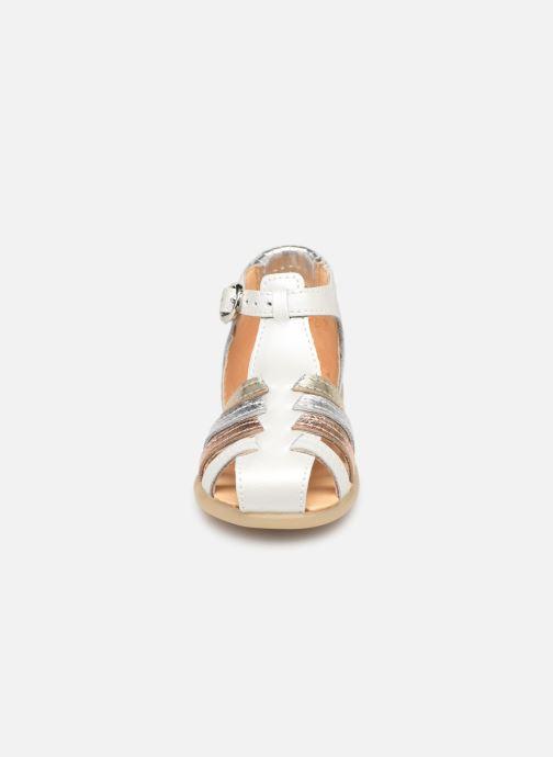 Sandalen Babybotte Guppy weiß schuhe getragen