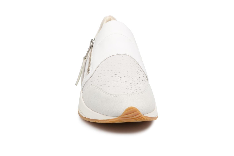 Baskets Geox D OMAYA A D620SA Blanc vue portées chaussures