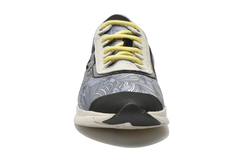 Sneakers Geox D SUKIE B D62F2B Multicolore modello indossato