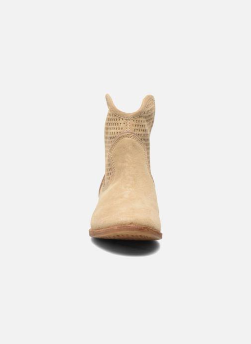 Stiefeletten & Boots Geox D ELIXIR E D62C7E beige schuhe getragen