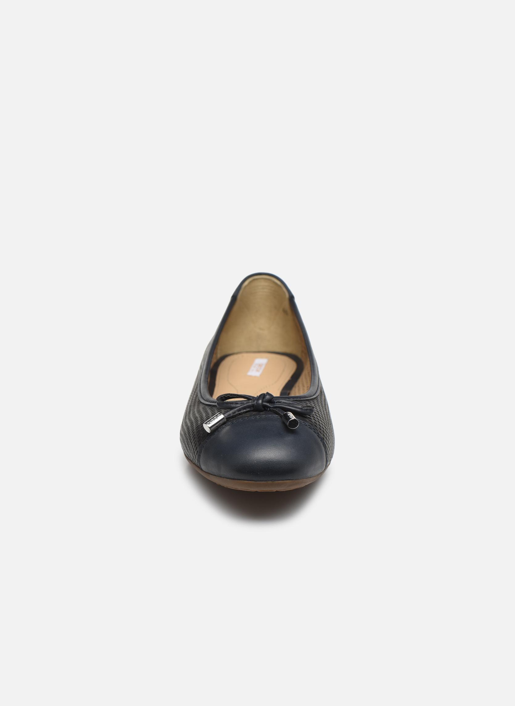 Ballerines Geox D LOLA A D62M4A Noir vue portées chaussures
