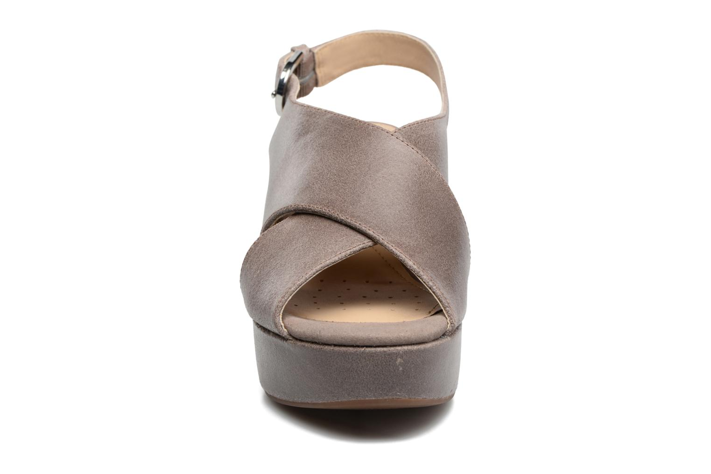 Sandali e scarpe aperte Geox D THELMA B D62N9B Grigio modello indossato
