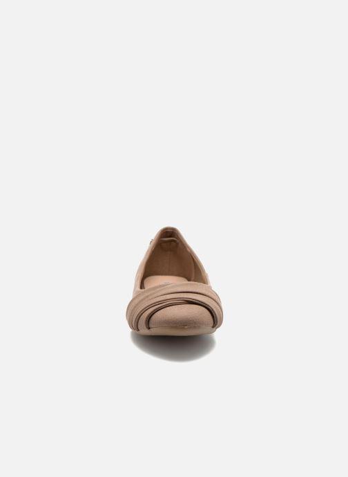 Ballerines Refresh Sandy 61732 Marron vue portées chaussures