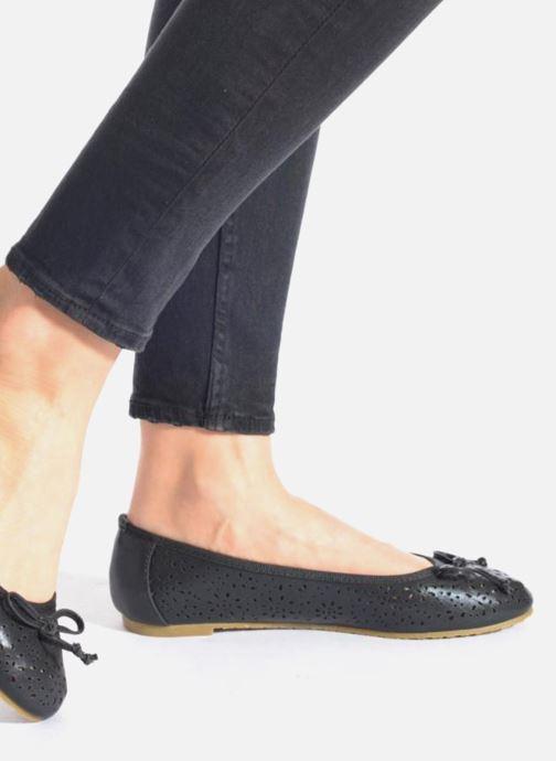 Ballerinas Refresh Coline 61818 schwarz ansicht von unten / tasche getragen