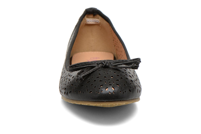 Ballerines Refresh Coline 61818 Noir vue portées chaussures