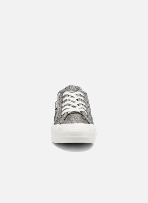 Sneakers Refresh Cory 61908 Argento modello indossato
