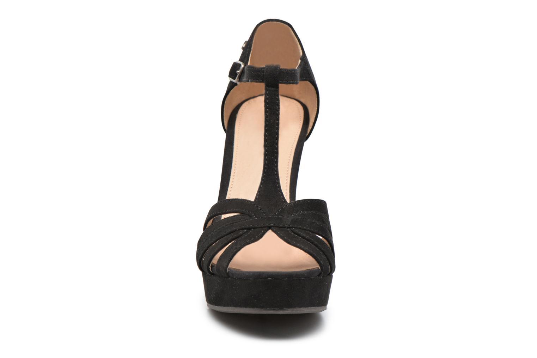 Sandali e scarpe aperte Refresh Party 61758 Nero modello indossato