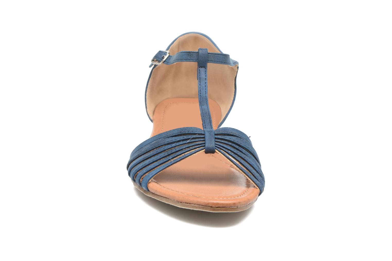 Sandali e scarpe aperte Refresh Casey 61767 Azzurro modello indossato