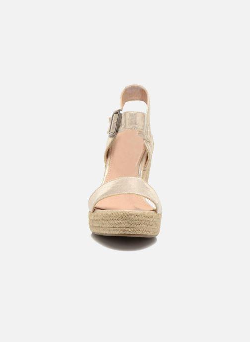 Sandales et nu-pieds Refresh Corail 61772 Or et bronze vue portées chaussures