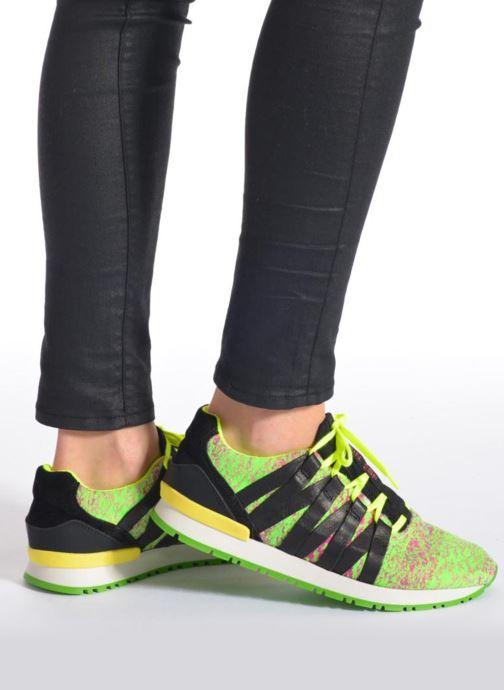 Sneaker Serafini Miami mehrfarbig ansicht von unten / tasche getragen