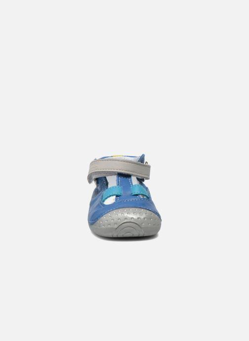 Chaussons Babybotte Zefir Bleu vue portées chaussures