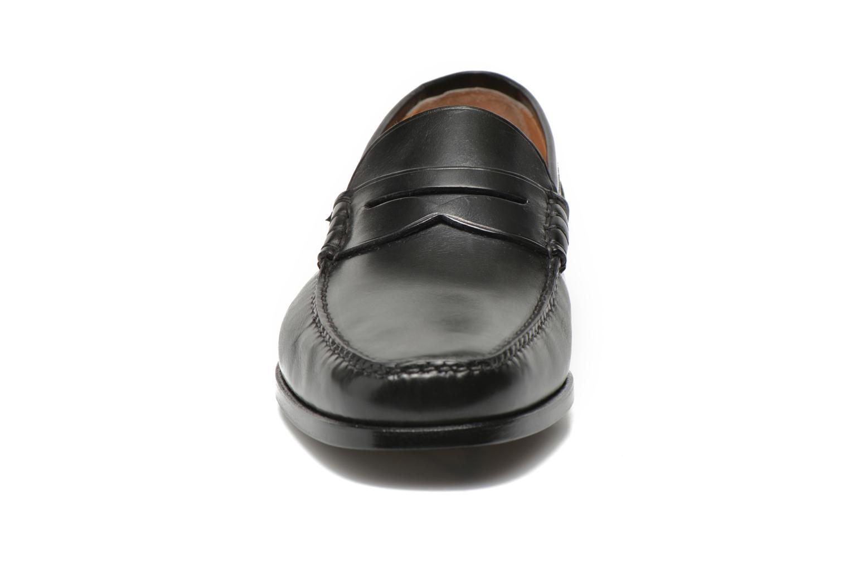 Mocassini Santoni Marlon 03141 Nero modello indossato