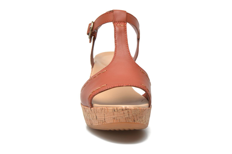 Sandales et nu-pieds Hush Puppies Blakely Durante Marron vue portées chaussures