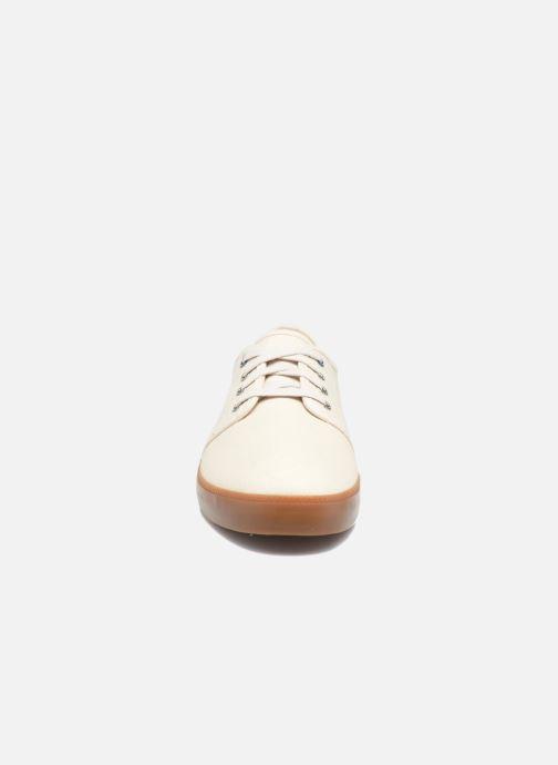 Sneakers Timberland Newport Bay Canvas Plain Bianco modello indossato