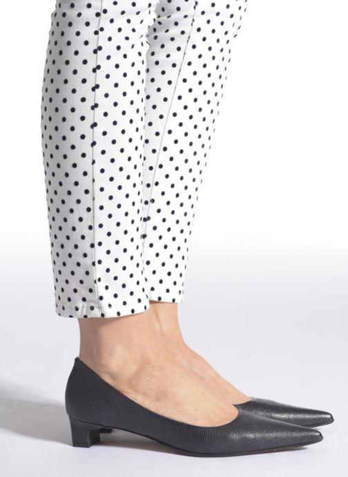 High heels Elizabeth Stuart Orthez 352 Blue view from underneath / model view