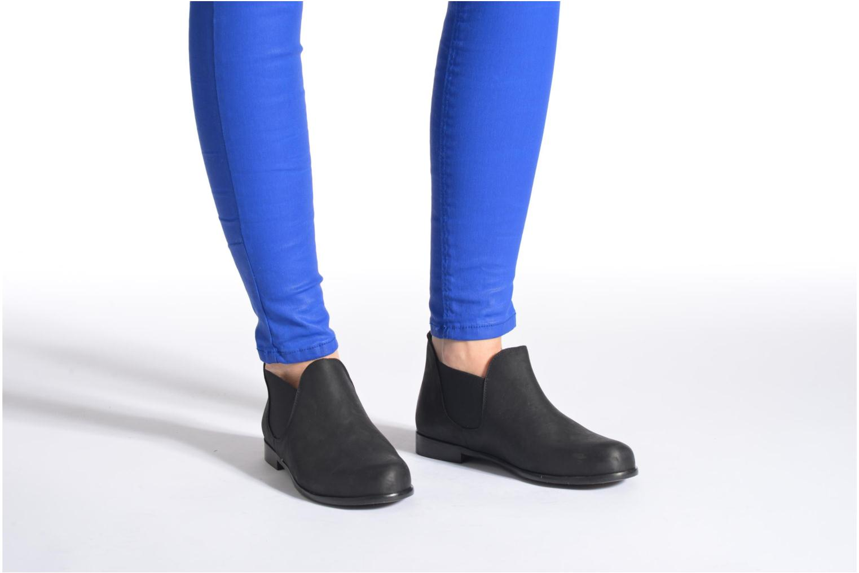 Bottines et boots Buffalo Léna Noir vue bas / vue portée sac