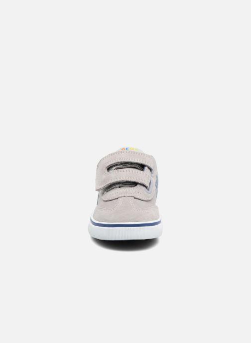 Baskets Geox B Kiwi B. E B62A7E Gris vue portées chaussures