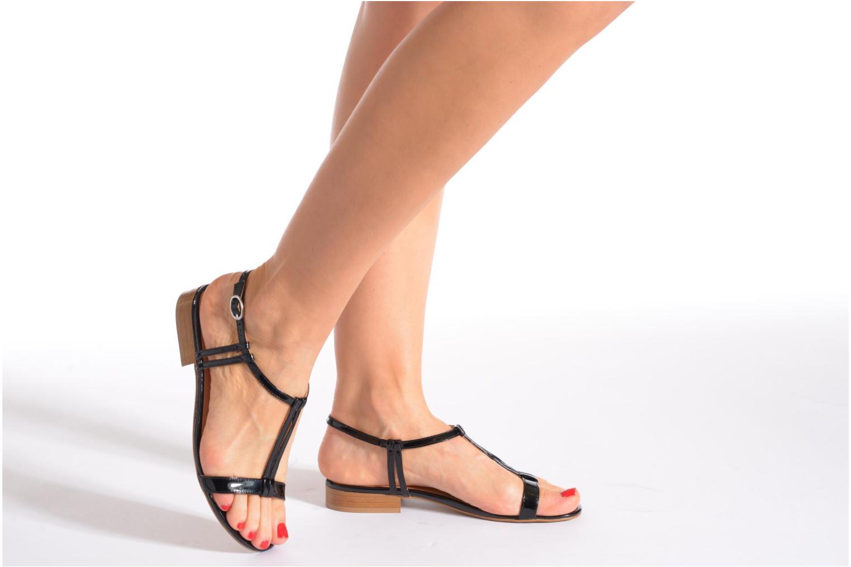 Sandales et nu-pieds Georgia Rose Etata Rouge vue bas / vue portée sac