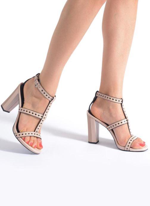 Sandalen What For Princess rosa ansicht von unten / tasche getragen
