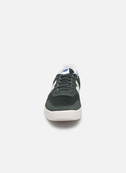 Baskets New Balance CRT300 Vert vue portées chaussures