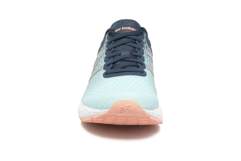 Chaussures de sport New Balance WBORA Bleu vue portées chaussures