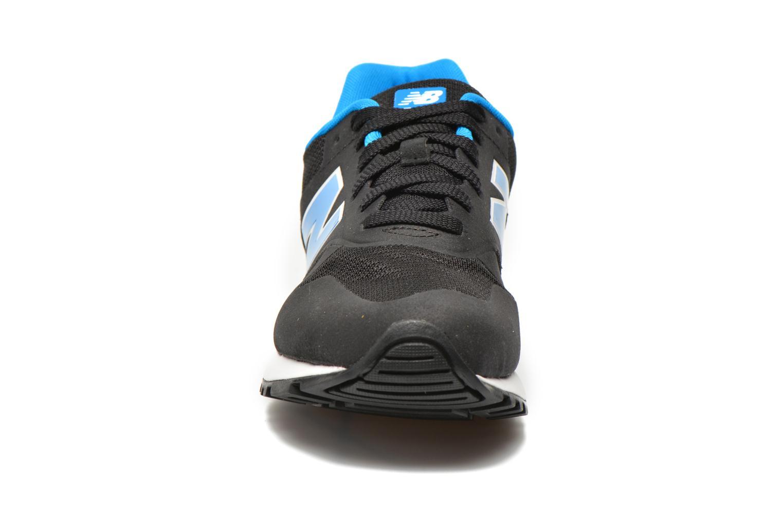 Baskets New Balance ML565 D M Noir vue portées chaussures