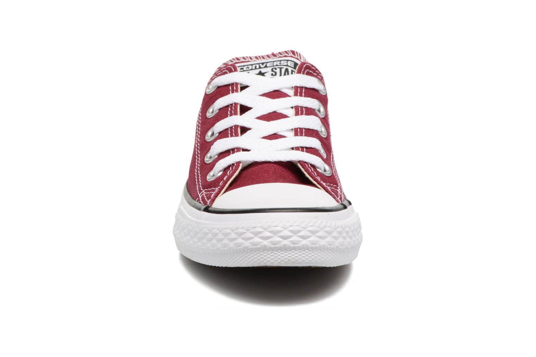 Baskets Converse Chuck Taylor All Star Ox Bordeaux vue portées chaussures
