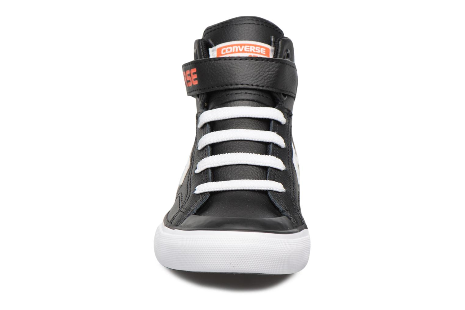 Sneakers Converse Pro Blaze Strap Stretch Hi Sport Leather Nero modello indossato
