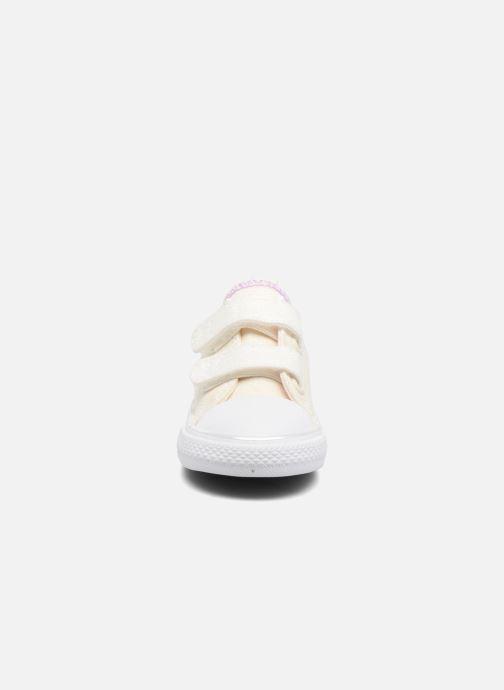 Sneaker Converse Chuck Taylor All Star 2V Ox weiß schuhe getragen