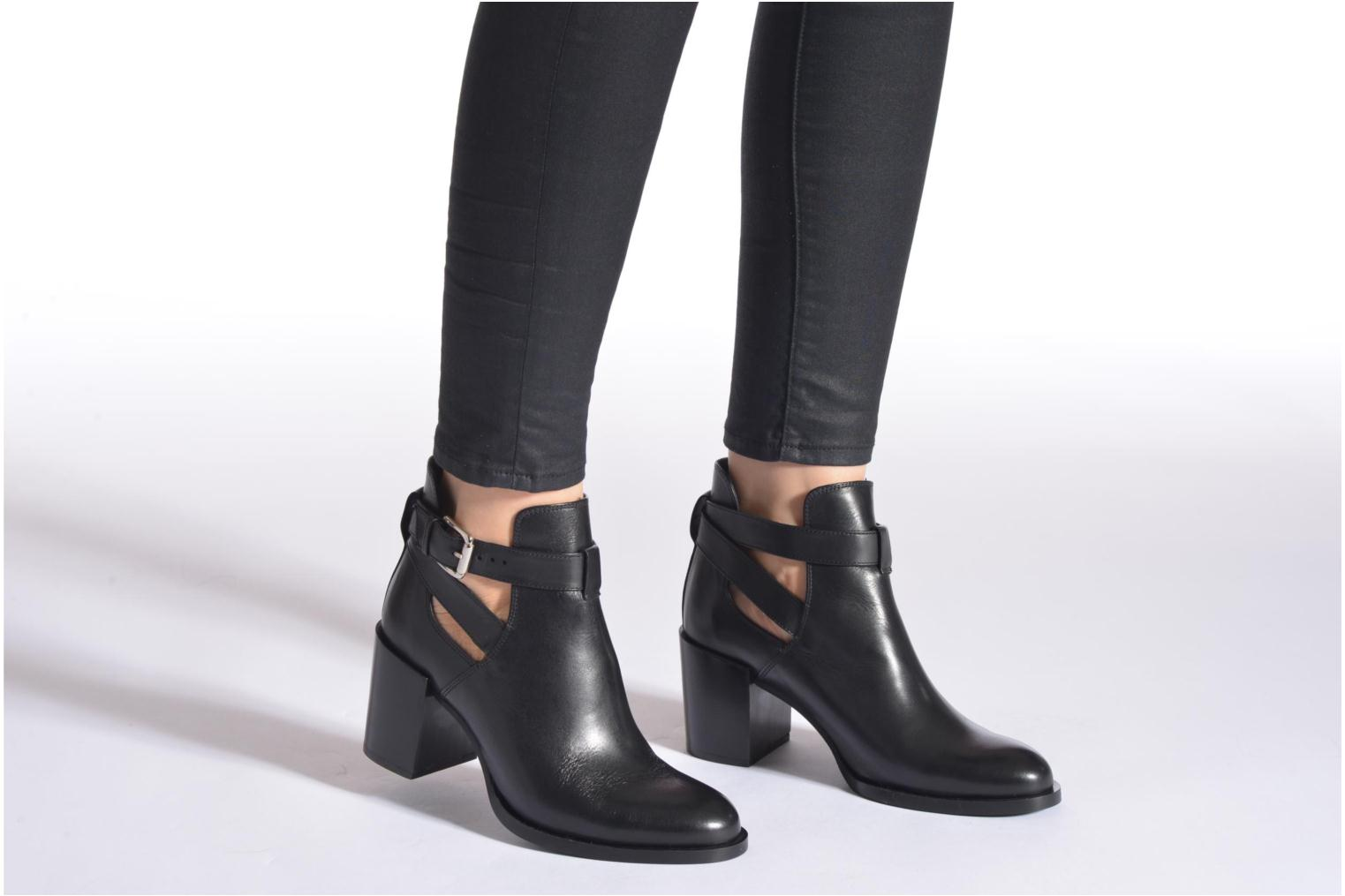 Ankle boots Minelli F80 801 Black view from underneath / model view