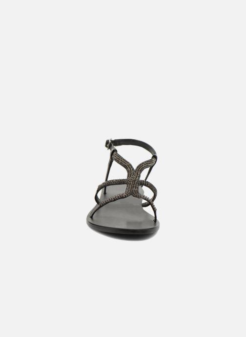 Sandales et nu-pieds Minelli F63 802 Noir vue portées chaussures