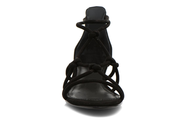Sandales et nu-pieds Minelli F63 820/VEL Noir vue portées chaussures