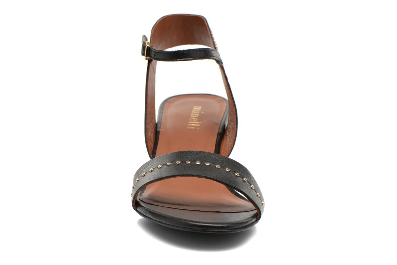 Sandales et nu-pieds Minelli F93 840 Noir vue portées chaussures