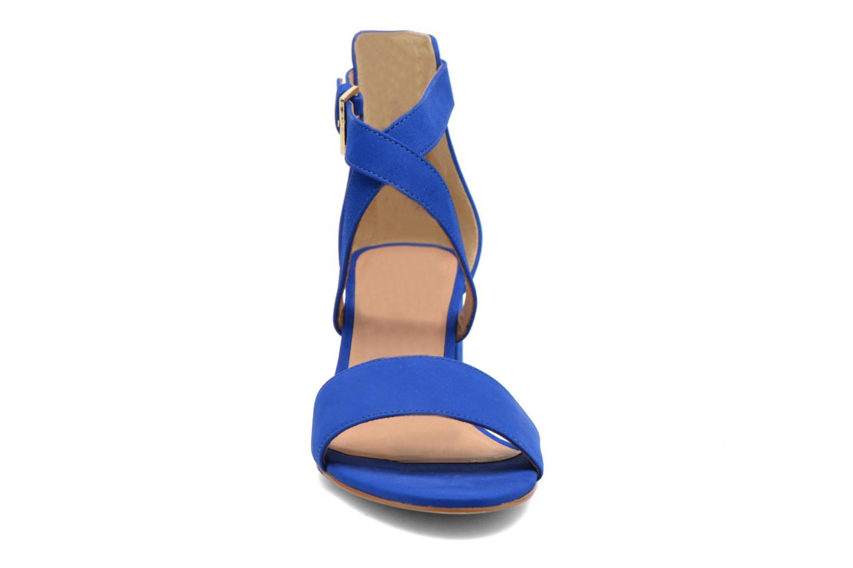 Sandali e scarpe aperte Minelli F93 830/NUB Azzurro modello indossato