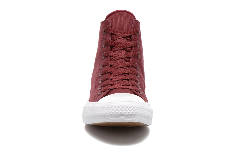 Baskets Converse Chuck Taylor All Star II Hi M Bordeaux vue portées chaussures