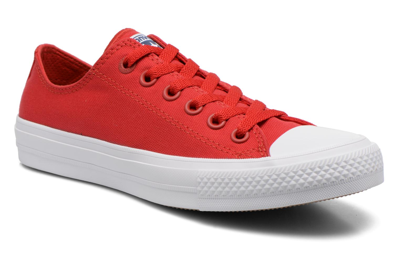 Baskets Converse Chuck Taylor All Star II Ox M Rouge vue détail/paire